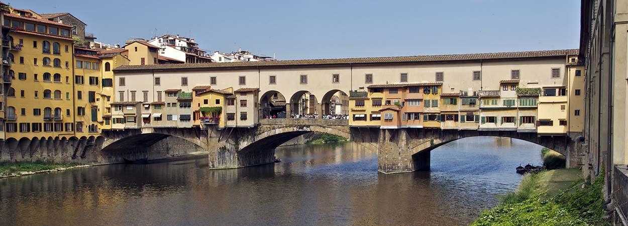 ponte_vecchio_old_bridge_florence_italy